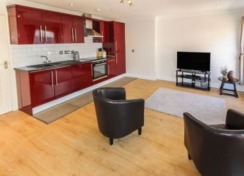 Thumbnail 2 bedroom flat for sale in Park Street West, Luton