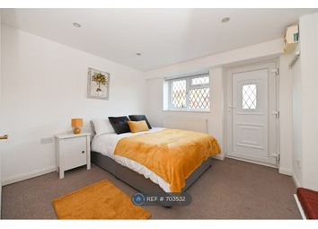 Room to rent in Villiers Close, Surbiton KT5