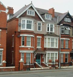 Thumbnail 4 bed flat to rent in Temple Street, Llandrindod Wells