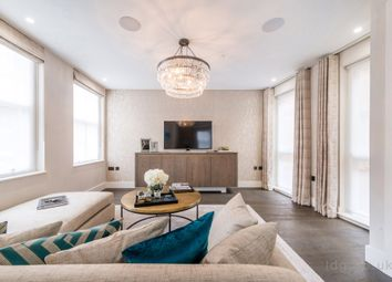 Thumbnail 1 bed flat to rent in Pink Mews, Holborn, London