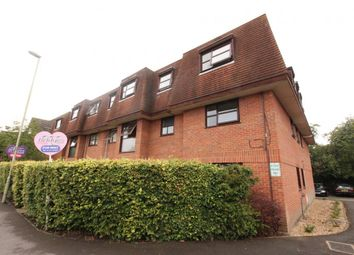 Thumbnail 2 bed flat for sale in Regent Court, Fleet