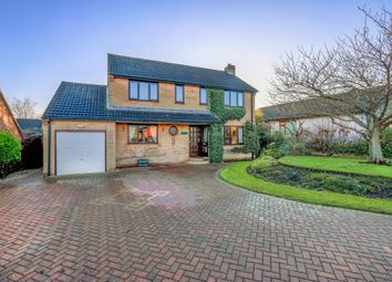 3 bed detached house for sale in Fenland Way, Walton, Chesterfield S40