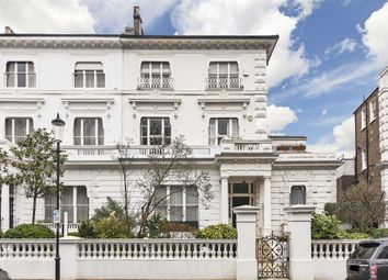 Thumbnail 1 bed flat to rent in The Boltons, London