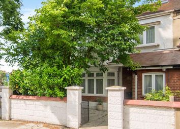 4 bed property for sale in Netheravon Road, London W4