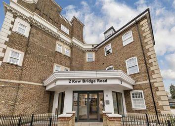 Thumbnail 3 bed flat for sale in Kew Bridge Road, Brentford