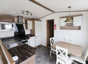 2 bed mobile/park home for sale in Oxcliffe Road, Heaton With Oxcliffe, Morecambe LA3