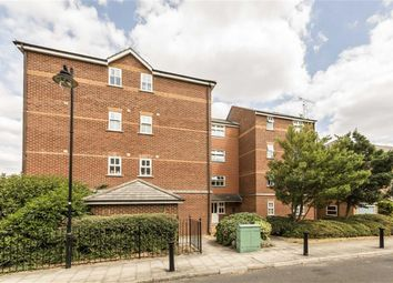 2 bed flat for sale in Lisle Close, London SW17