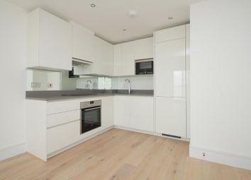 Thumbnail 1 bed flat to rent in St. Luke's Avenue, Clapham Common, London