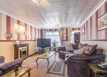 Thumbnail 2 bedroom flat for sale in Royal Close, Leeds