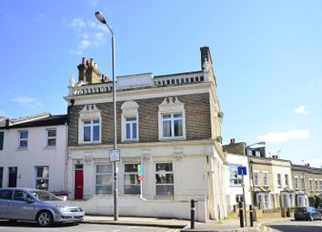 2 bed flat to rent in Merton Road, Wandsworth SW18