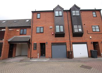 Thumbnail 2 bed property to rent in Halyard Croft, Hull