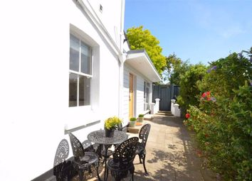 Thumbnail 2 bed flat to rent in Leigh Hill, Leigh-On-Sea, Essex