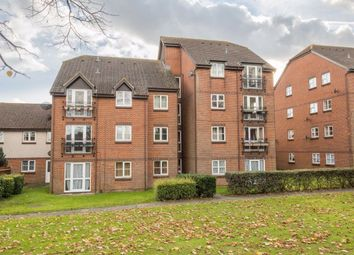 Thumbnail 1 bed flat to rent in Knowles Close, Yiewsley, Middlesex