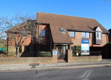 Thumbnail 2 bedroom flat for sale in Victoria Road, Mortimer