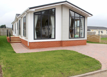 Thumbnail 2 bed lodge for sale in Country Choice Caravan Park, Stratford Bridge, Ripple, Tewkesbury