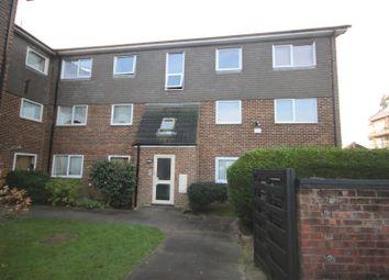 2 bed flat for sale in Freshfield Drive, London N14