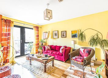 Sutherland Road, London E17. 2 bed flat for sale