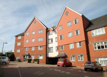 Thumbnail 2 bed flat to rent in Tower Close, East Grinstead