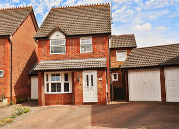 Thumbnail 4 bedroom detached house for sale in Waltham Gardens, Banbury