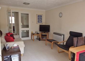 Thumbnail 2 bed flat to rent in Cross Road, Wimbledon