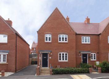 Foxhills Way, Brackley NN13. 3 bed end terrace house