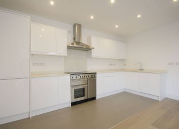 Thumbnail 2 bedroom flat to rent in County Street, London Bridge