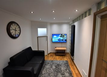 Thumbnail 1 bed flat to rent in St Paul's Road, London