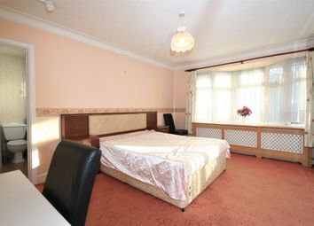 Thumbnail Room to rent in Southway, London