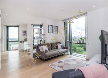 Parliament House, 81 Black Prince Road, London SE1. 1 bed flat