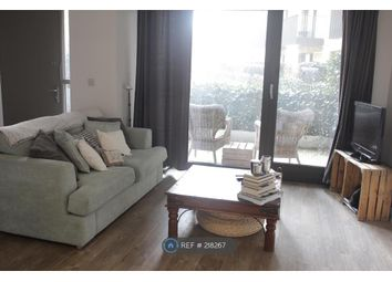 Thumbnail 1 bed flat to rent in Kingfisher Heights, London