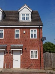 3 bed town house to rent in Featherbed Close, Shuttlewood, Chesterfield S44