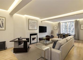3 Dunraven Street, Mayfair, London W1K. 2 bed flat for sale