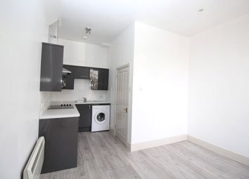 Thumbnail 2 bedroom flat to rent in The Grove, Gravesend, Kent