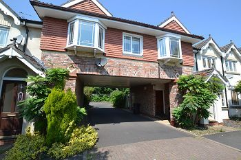 Thumbnail 2 bed flat to rent in Alveston Drive, Wilmslow, Cheshire