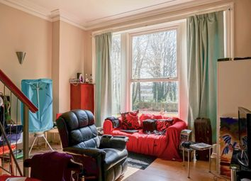 Thumbnail 1 bed flat to rent in Headingley Avenue, Leeds