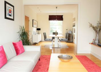 3 bed flat for sale in Hartham Road, Islington N7