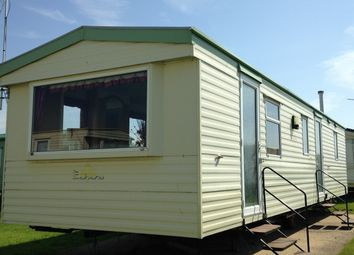 3 bed property for sale in Clacton-On-Sea CO15