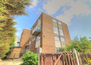 Thumbnail 3 bed maisonette for sale in Lindsey Road, Leeds