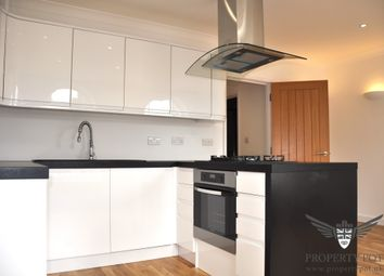 Thumbnail 1 bed flat to rent in High Street, East Grinstead