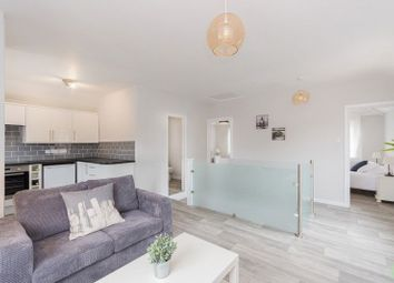 Thumbnail 2 bedroom flat for sale in Kennett Road, Headington, Oxford