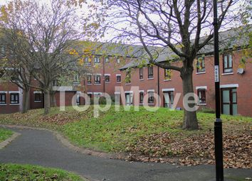 Thumbnail 2 bedroom flat for sale in Prestwood Gardens, Croydon