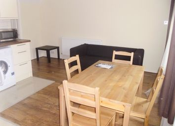 Thumbnail 4 bed flat to rent in Cooks Road ( Available September 2017), Kennington London