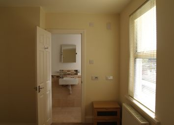 Victoria Road, Swindon SN1. Studio to rent