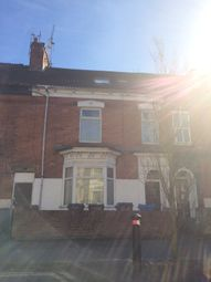 Thumbnail 1 bed flat to rent in Park Grove, Hull