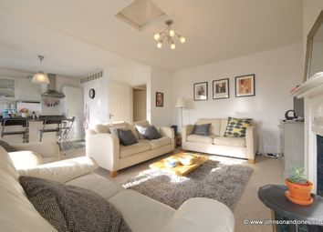 Thumbnail 2 bed flat to rent in Guildford Street, Chertsey