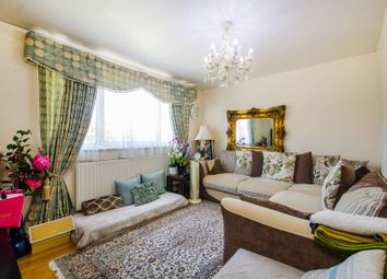 Thumbnail 2 bed flat to rent in Newby Place, Canary Wharf