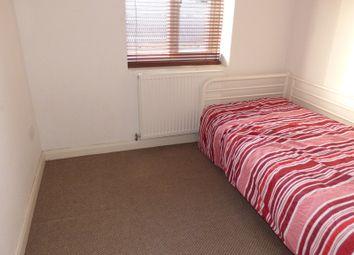 Thumbnail 2 bedroom flat to rent in Boleyn Avenue, Enfield
