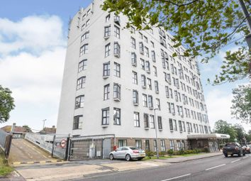 149-151 High Road, Romford RM6. 2 bed flat