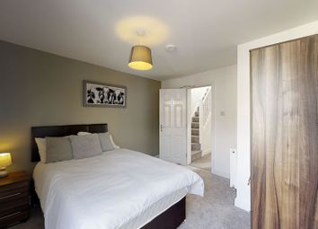 Thumbnail 5 bed shared accommodation to rent in Weston Road, Strood, Rochester