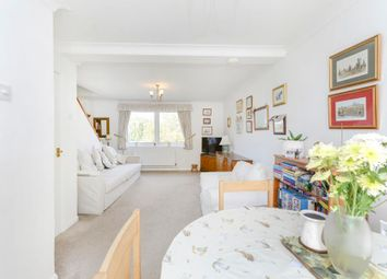 2 bed maisonette for sale in Kent Avenue, London W13